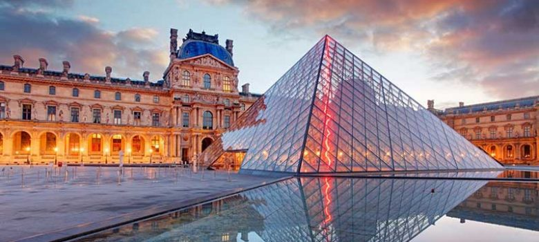 Louvre-Museum-photo